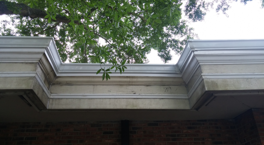 Before And After Orlando Seamless Gutters Commercial